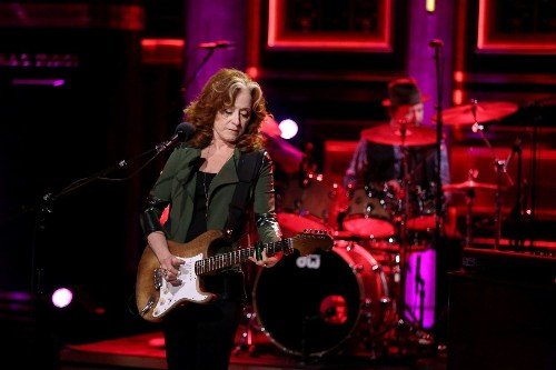 Bonnie Raitt and the Fugitive Emotions Evoked by Slide Guitar