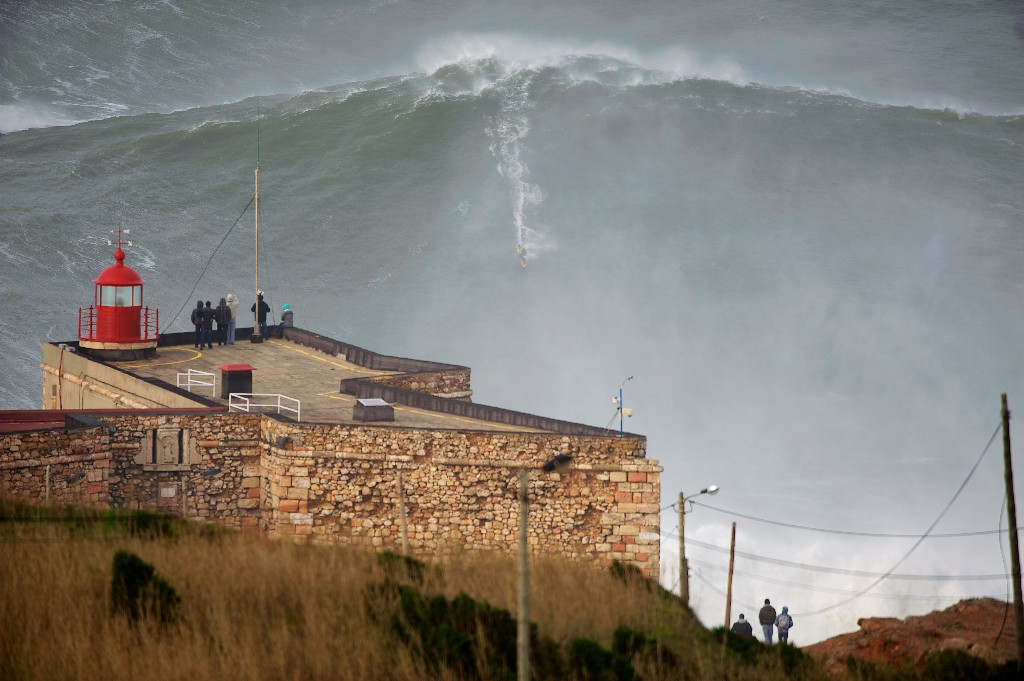 Big Wave Surfing - cover