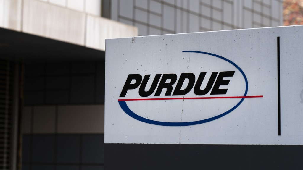 Not Just Purdue: Big Drug Companies Considering Settlements To Resolve Opioid Suits