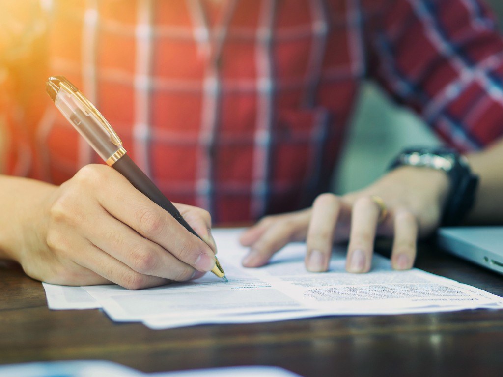 Read The Fine Print Before Picking An Association Plan For Your Small Business