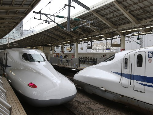 Japanese Rail Operator Says Sorry For 'Inexcusable' Departure 25 Seconds Early