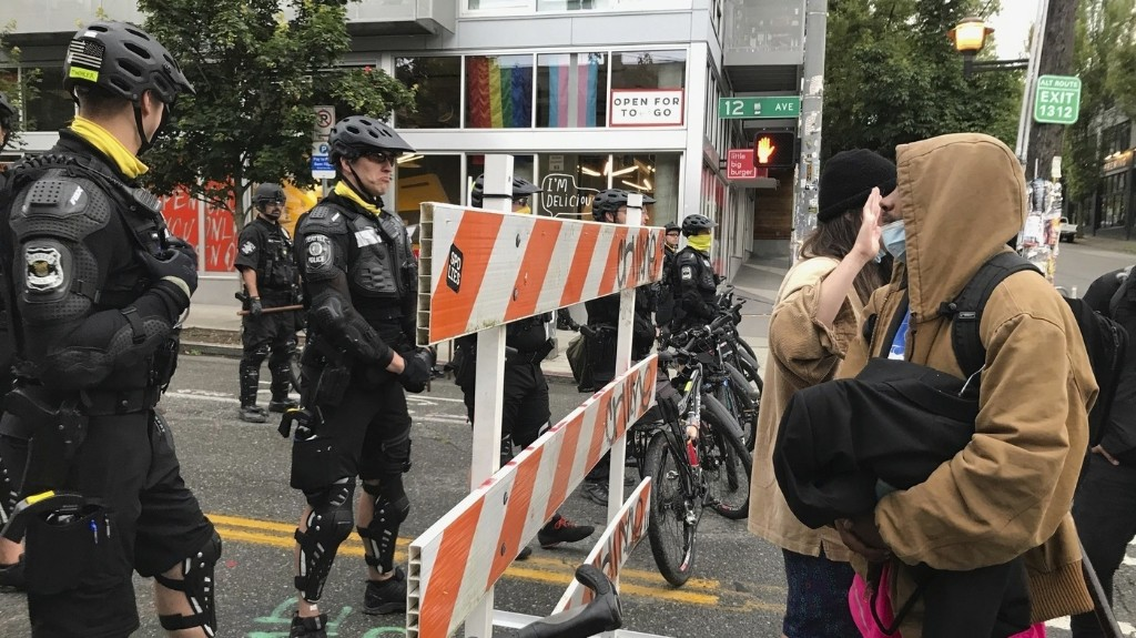 Seattle Police Clear Capitol Hill Protest Zone After Mayor Issues Emergency Order