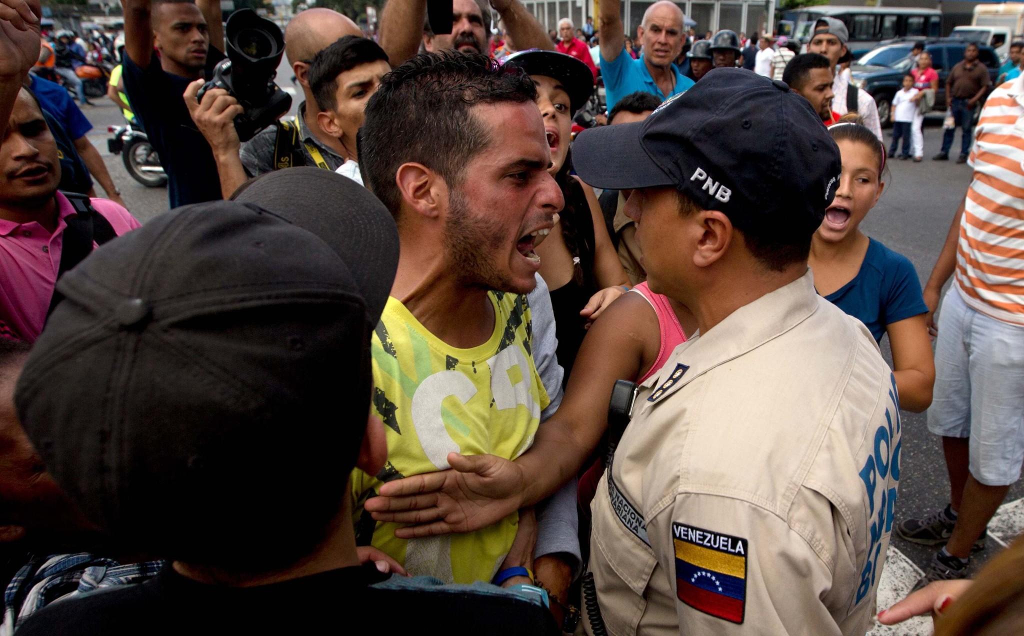 As Food Crisis Worsens, Venezuelans Loot Almost-Empty Stores