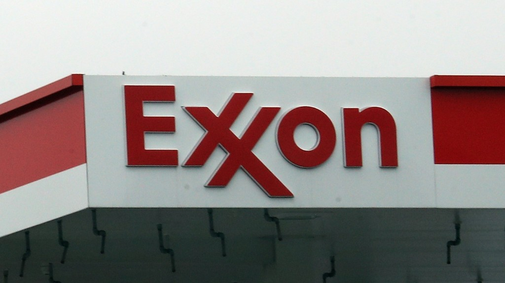 Exxon Writes Off Record Amount From Value of Assets Amid Energy Market Downturn