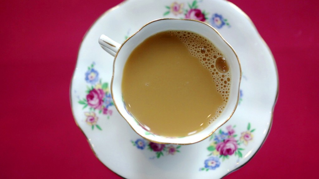 Tea Tuesdays: The Chemis-Tea Of Pouring The Perfect English-Style Cuppa