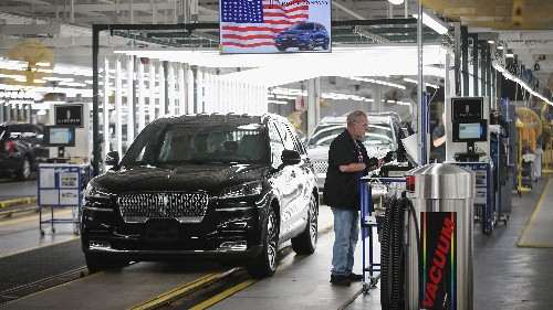 California Signs Deal With Automakers To Produce Fuel-Efficient Cars
