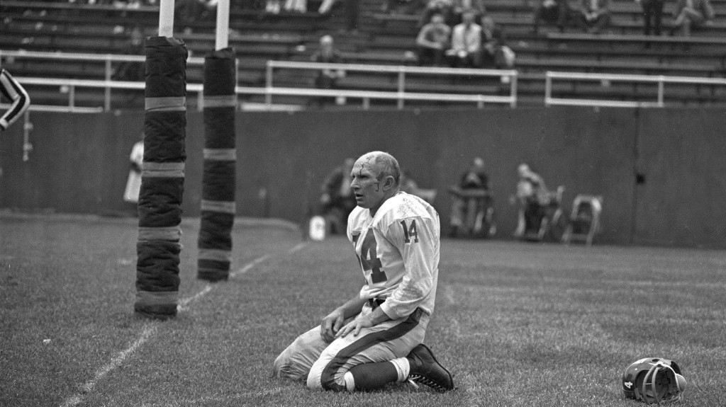 Football Legend Y.A. Tittle Dies At 90