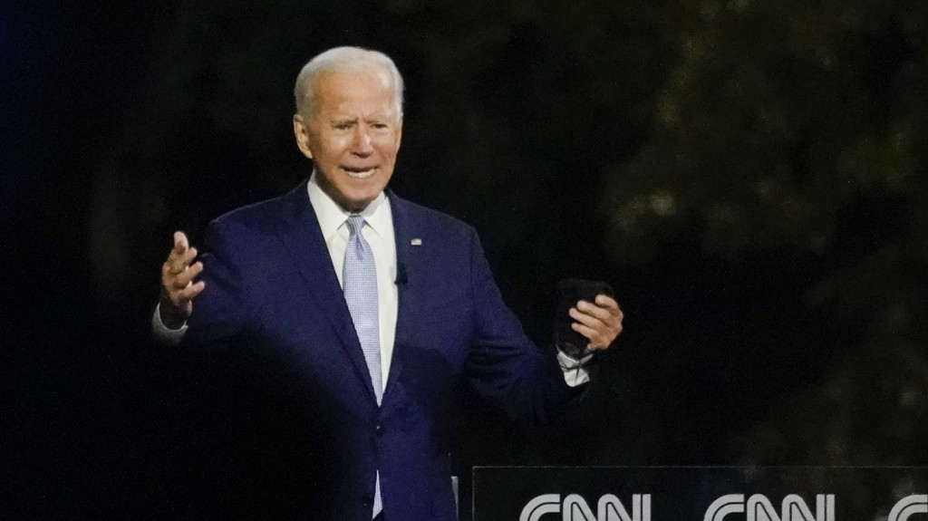 Poll: Biden Maintains Lead Over Trump