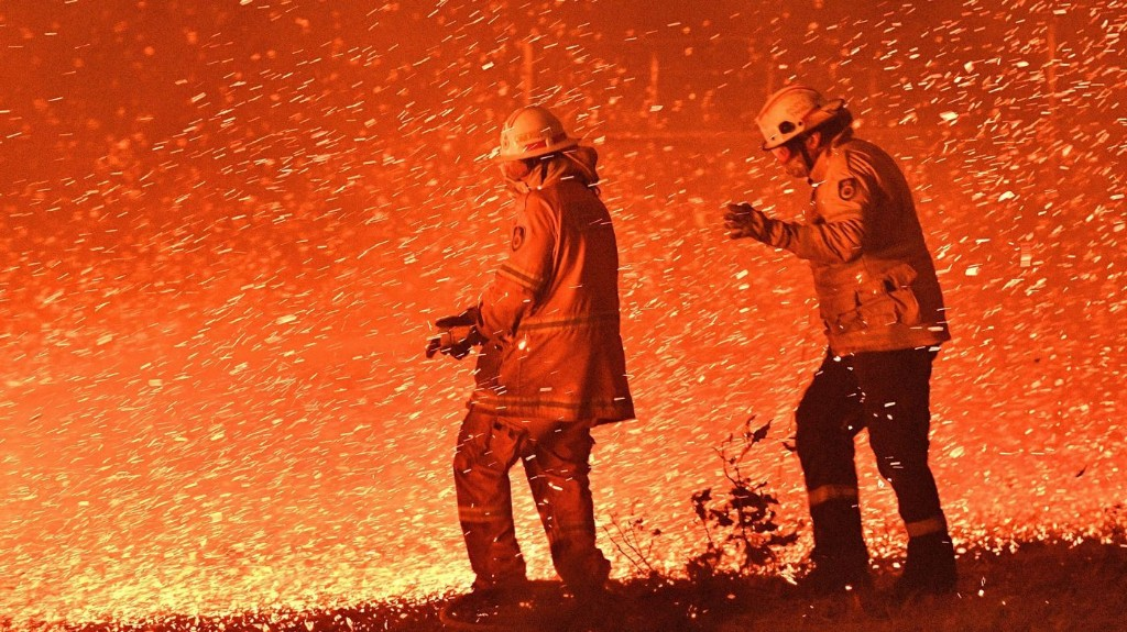 In Australia Wildfires, Scenes Of Smoke, Sparks And Chaos