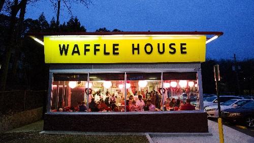 Waffle House Waitress Helps Customer, Goes Viral, Gets Scholarship