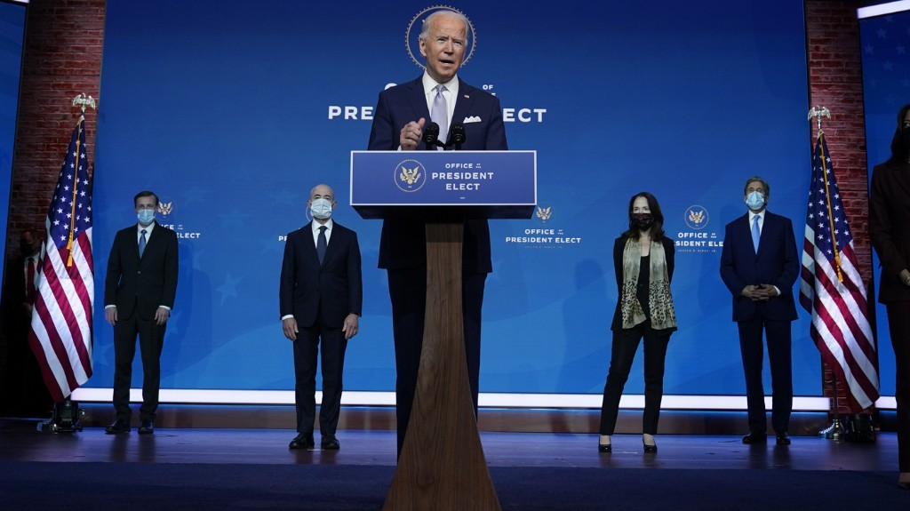 Biden Says It Would Be 'Difficult' To Lose Sanders Or Warren From Senate For Admin.