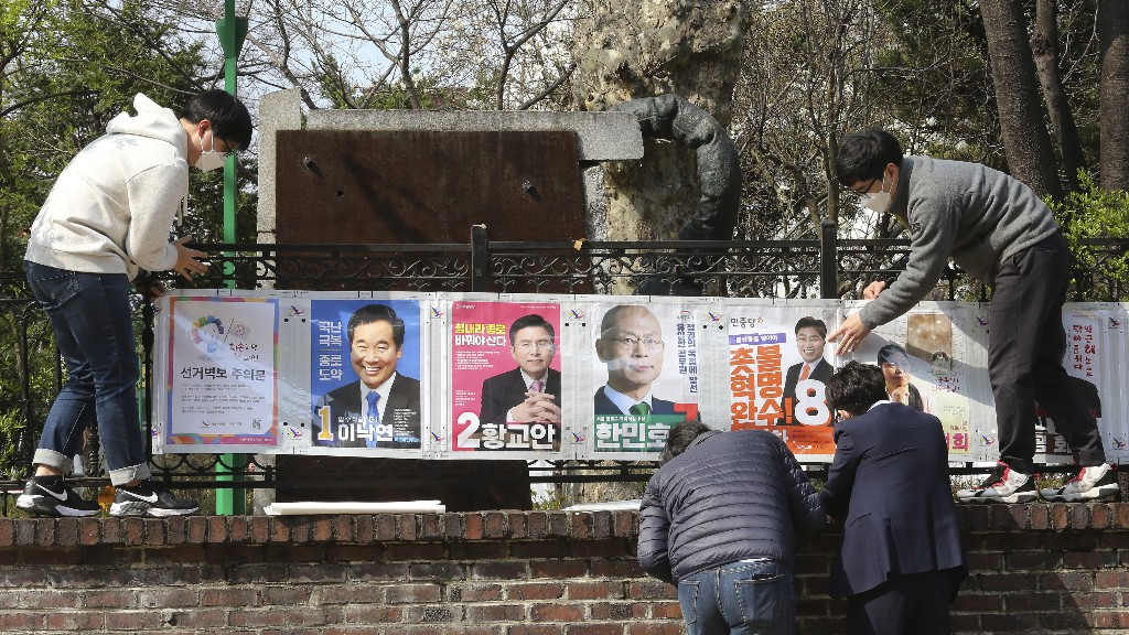 South Koreans Will Vote In Election In Masks And Gloves, Have Temperature Checked