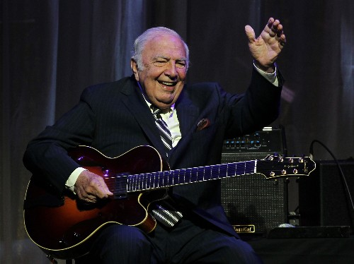 Bucky Pizzarelli, Jazz Guitarist And Prolific Session Musician, Dead At 94