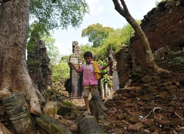 Cambodia Now - cover