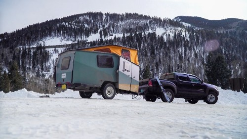 Video: How 2 Skiers Use Their Taxa Trailer to Be First on the Hill