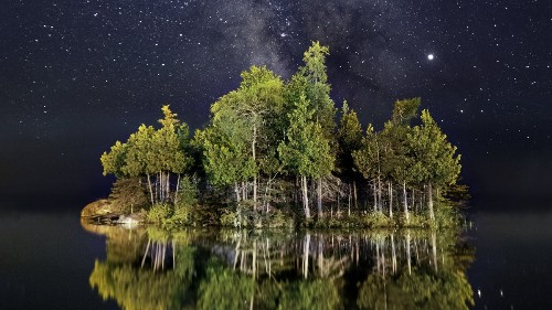 How to Shoot Stunning Landscape Photos at Night