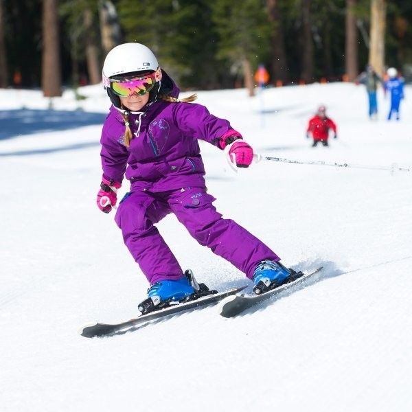 Why I Only Buy Expensive Ski Gloves for My Kids