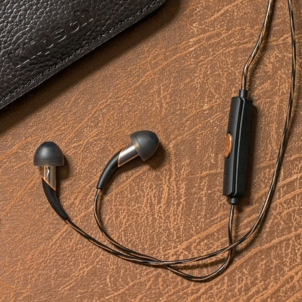 The Best Headphones for Flying