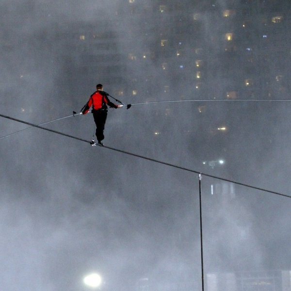 Wallenda to Wear Blindfold for Chicago Tightrope Stunt