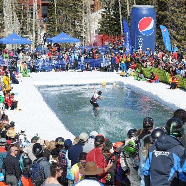 7 Affordable Ski Trips for a Last-Minute Spring Break