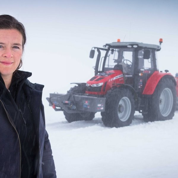 Tractor Girl Completes 5-Year Journey to the South Pole