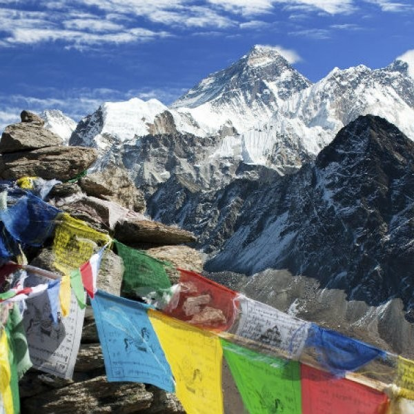13-Year-Old Girl Climbs Everest