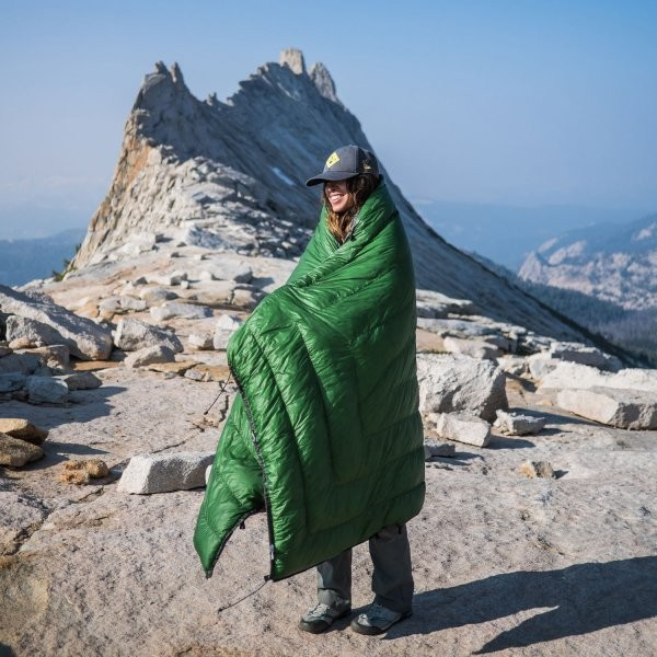 Why You Should Ditch Your Sleeping Bag for This Quilt