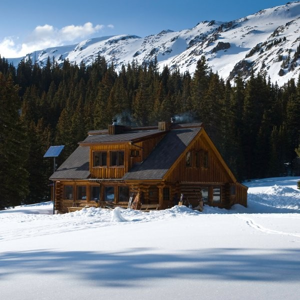 How to Plan Your First Hut Ski Trip