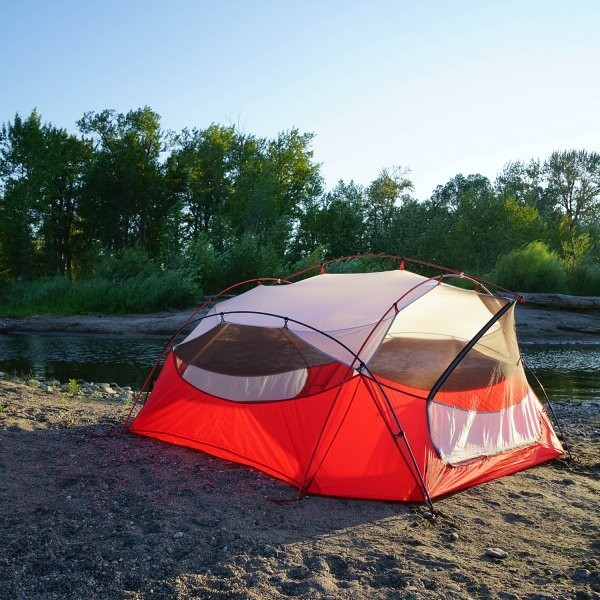 Battle of the Tents: Budget vs. High End