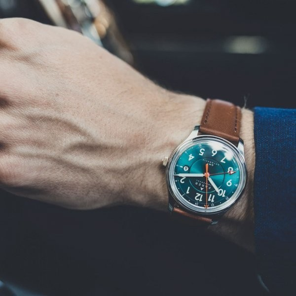 Our Favorite Waterproof Watches for Summer