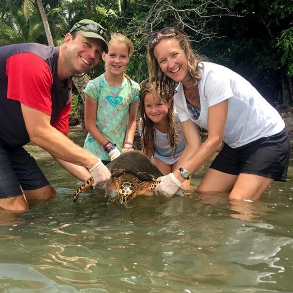 The Best Way to Vacation in 2018: Volunteering