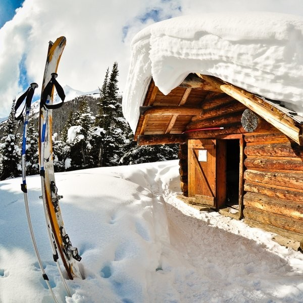 Unwind. Recharge. Book a Winter Hut Trip.