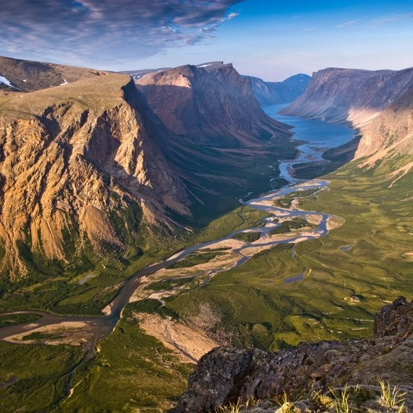 Exploring Canada's Extremes