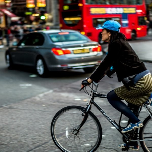 London to Build Cycle Superhighways