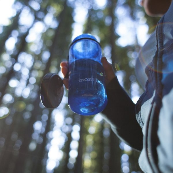 How to Properly Clean Your Water Bottles and Reservoirs