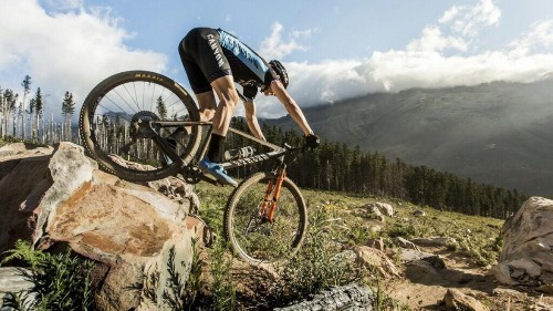 Social-Distancing Training Tips from a Mountain-Bike Champ