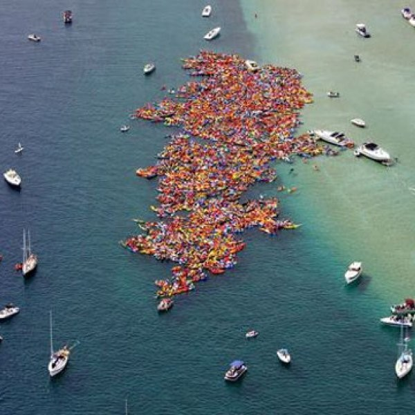 Paddle Mob Sets World Record