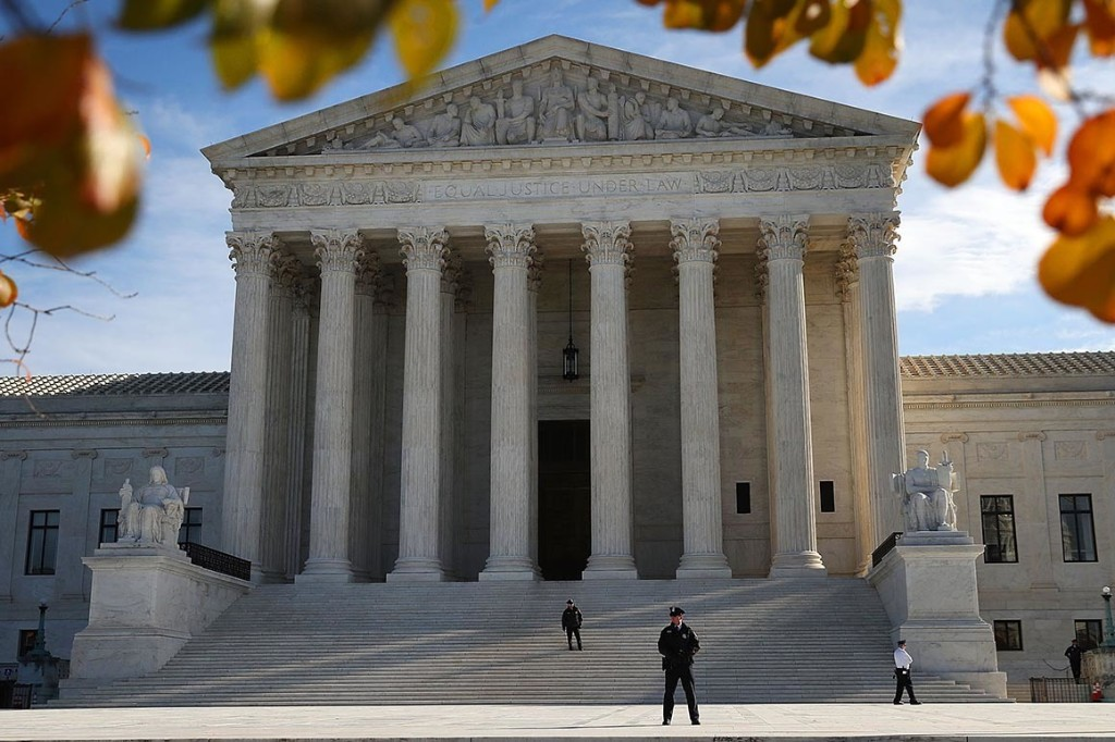 Trump, red states ask Supreme Court to refuse Obamacare case before election