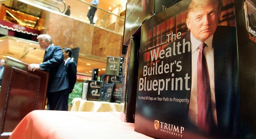 Trump fights racketeering claim in Trump University suit
