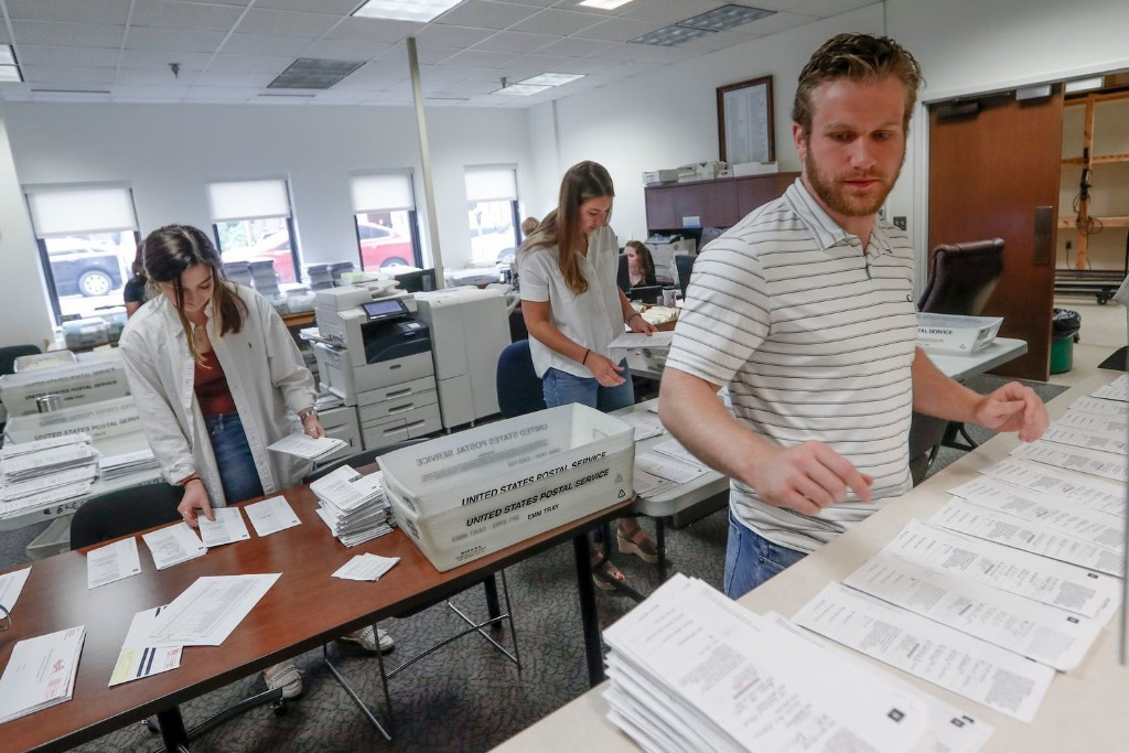 'Imagine what Donald Trump would say': Key swing state sweats over vote-counting fiasco