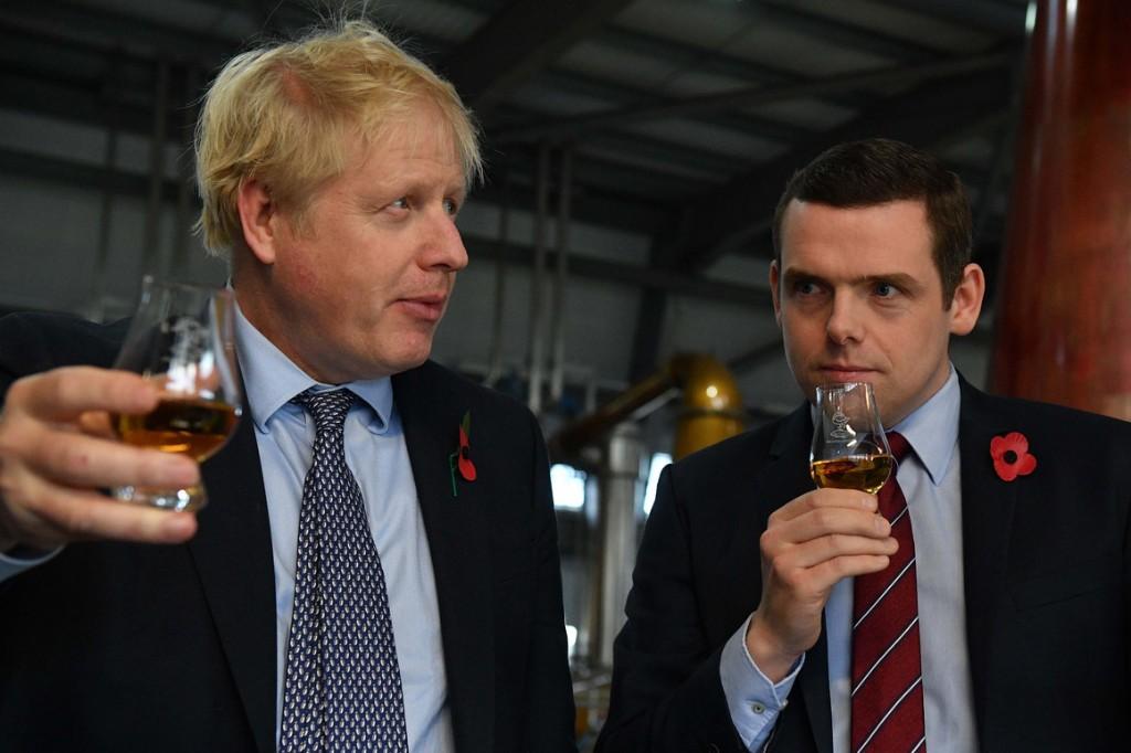UK minister resigns over Dominic Cummings' lockdown trip