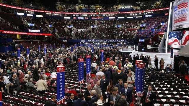 MSNBC reporter 'hassled' off RNC floor by security during liveshot