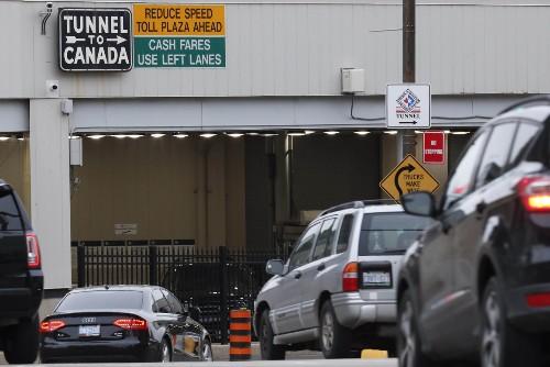 Canada, U.S. plan to close border to non-essential travel