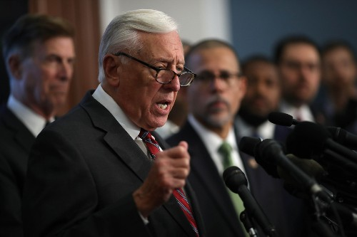Steny Hoyer leads trip to Puerto Rico amid aid standoff