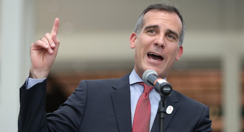 Shopping in LA? Cover your face or get tossed, Garcetti orders