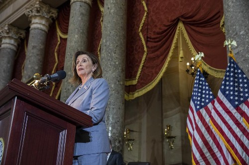 Pelosi backs changing the law to allow a sitting president to be indicted