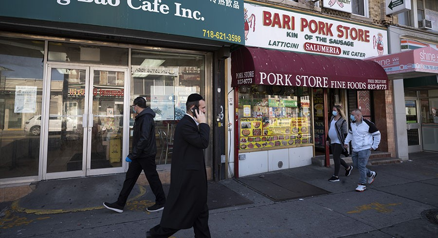 Social distancing complaints at city businesses flood 311