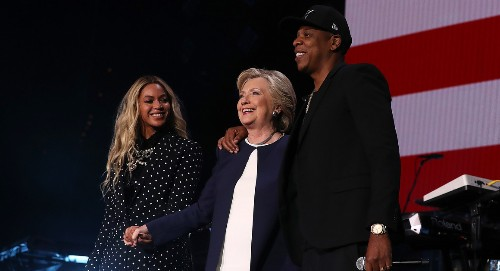 Beyoncé showcases Clinton 'baked cookies' line in get-out-the-vote performance