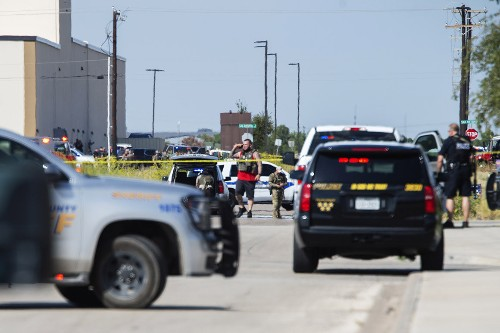 5 dead after man stopped by Texas troopers goes on rampage