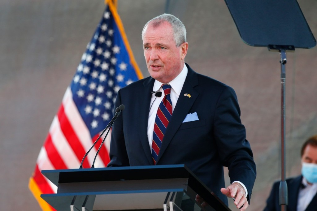 Murphy: Exposure to staffer who tested positive for Covid occurred over drinks